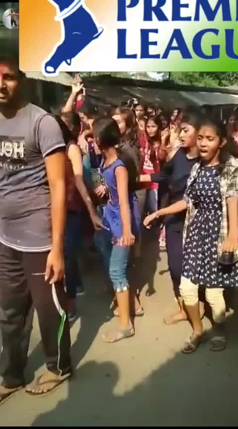 #dance #roposo-funny #funny #omg #wow #roposo-style