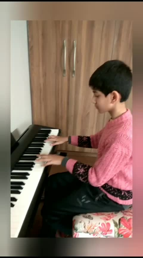 Student playing MJ song 🎹🎼   #piano 🎹 #pianists #pianoforte #musicians #composer #composing #recordings #recent4recent #director #musicdirector  #musicdesign #yamahamotif #yamaha  #korgpa600 #korgkronos #korg #bollywood  #hollywood  #picoftheday  #creative  #studio  #studioblack #indian  #america  #gupt  #secret  #amazing