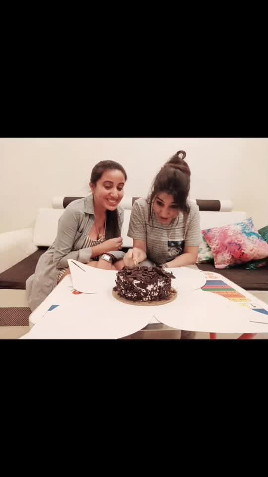 Mere 2 anmol Ratan😂 And the celebration still continues.. Thank you so much my janemans @mona_singh_india & @itsmeharshey 😘😘😘 making my birthday so special☺️😘💃🏻 #birthday #celebration #girlgang #girlyappa #girlsquad #celebrationstillcontinues #birthdayvibes #birthdaygirl #houseparty #home #homecelebration #homecoming #cakemurder #artists #moment #thankyou #mydarlings #instapost #instavideo #instagram #potd #instacool #artist #actor #actorslife #blessedlife #blessedme