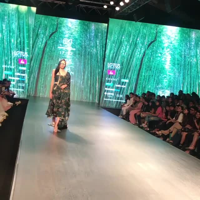 """17:17 collection at FDCI LMIFW AW 19 in association with Liva. The name of the collection is IKYA - is derived from the sanskrit word """"Aikya"""", meaning """"harmony"""" and """"amalgamation"""". Beautiful Kritika Kamra walked the ramp for the label."""