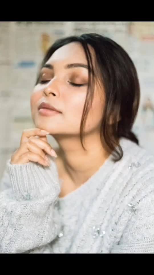 𝑨𝒍𝒍 𝒚𝒐𝒖 𝒏𝒆𝒆𝒅 𝒊𝒔 𝒍𝒐𝒗𝒆 ❤️ .  @myeyeshaveit 📸 . #ootd #fashionportrait #fashionportfolio #portraitphotography #portrait #photooftheday #photography #delhiblogger #delhimodel #influencer #vintage #vintagephotography #instagood #instamood #instapic #instagrammers #followme #instafollow #priyaancka #newpost #portraitinspiration #india #fashionblogger #fashion #beautybloggers #makeup #makeuplooks