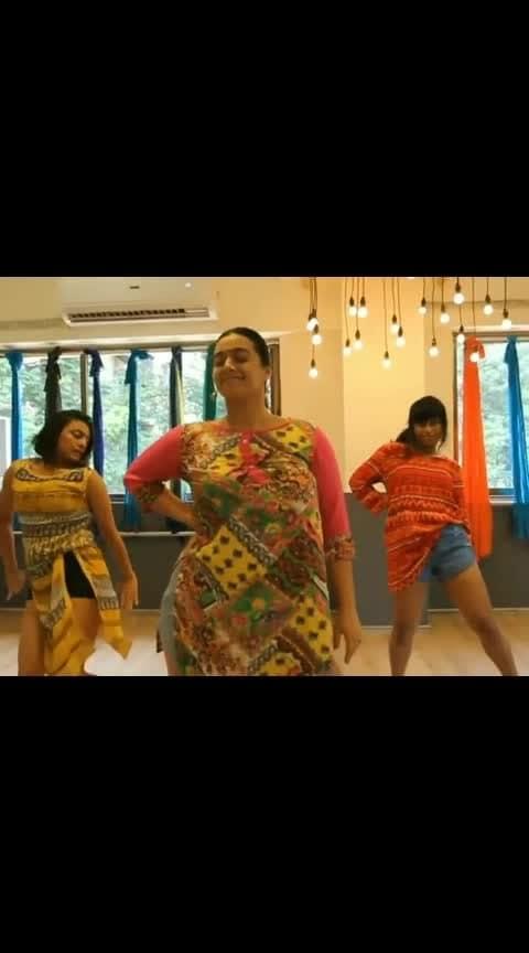#roposo-nonvej #ropso-romance #ropso-love  #roposo-nonvej  #ropovideo #roposo-beats #beats #indiandancer #indiangirls #indianstar