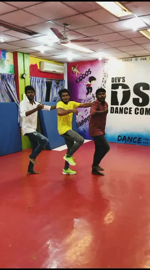 Chuma oru dance🔥🕺💃#dance #roposo-dance #featurethisvideo #roposoers #diamonds #star #roposo-star #risingstar