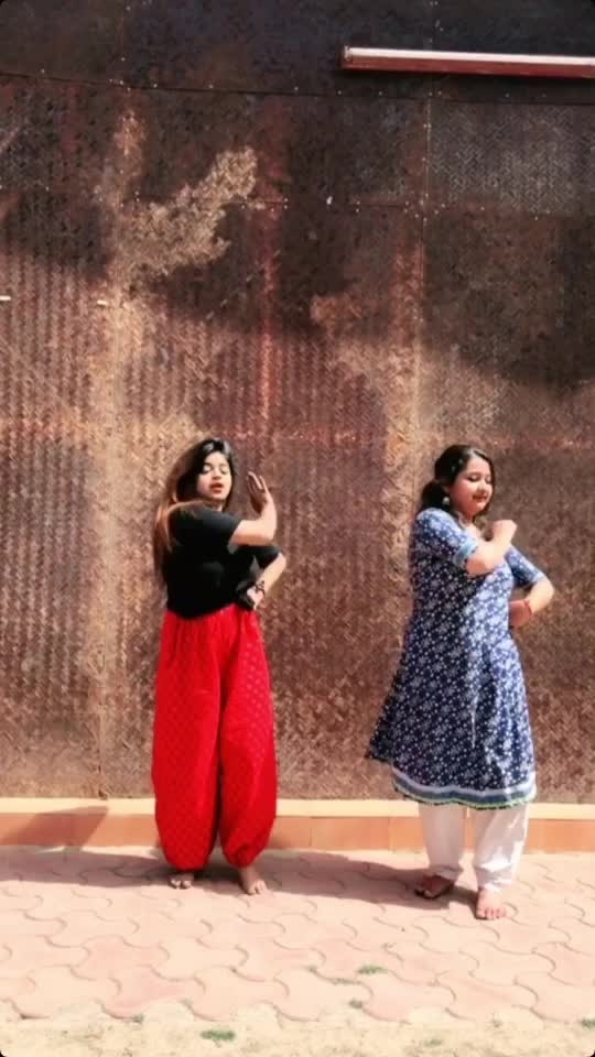 #gidda #bhangra #roposostars #roposo #roposoapp #dance #dancevideo #dancer #dancing #punjabi #punjabisong #feature #featureme #featurethis