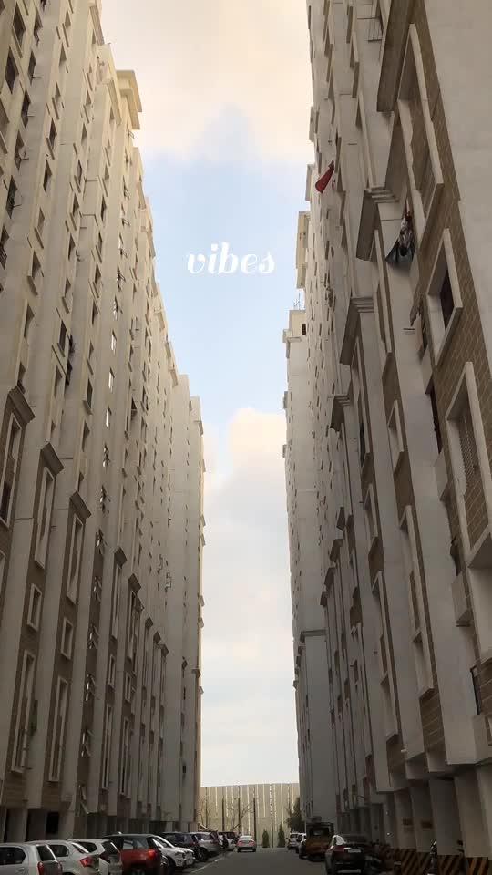 #vibes #timelapse #iphone #iphone8plus #apartment #life #yuvan_selva