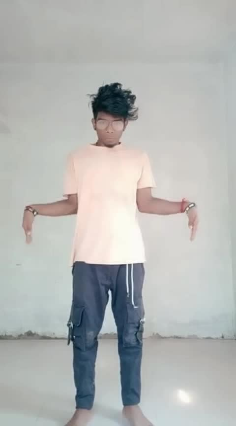 HOW ABOUT THIS MALAYALAM SONG WITH TUTTING 😅🔥🕺🏻🙏🏻 #roposo #roposodance #roposodancer #dance #dancerslife #danceindia #danceislife #tutting #tuttingdance #tuttingindia #malayalam #malluswag #kerala