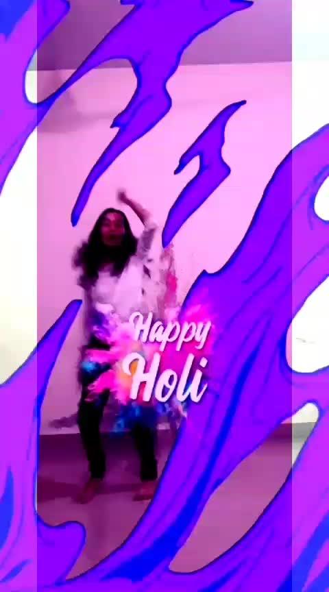 Happy holi #balampichkari #happyholi #holifilter #roposoholi #colourful #beatschannel #roposostarchannel #roposo-dance #dancerslife #roposolove @roposocontests @roposotalks @anshikagrover @fehmidababa