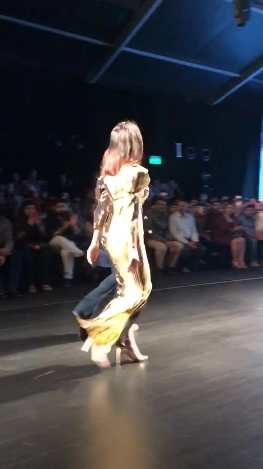 Lotus India fashion week #thefdci #nikhitatandonshow