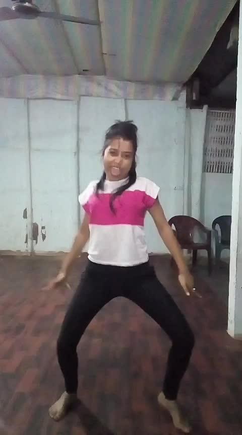#ishqkaraja #hiphopdance #assamgirl #staroftheday #roposo Roposo @roposotalks @roposocontests