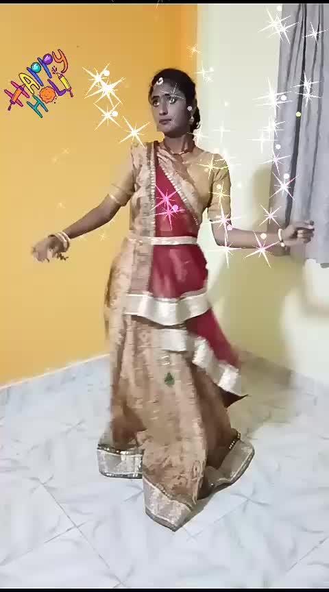 #pallolatke  #yashasvi_sharma  #roposodancing  #dancingdiva  #dancingqueen  #dancingmodel  #dancingmoves