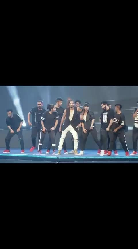 for more cool 😎 dance 💃  #roposo #roposoness  #roposodance #ropososong  #cool #bollywoodvideos  #roposobeats #beatschannel  #roposo-funn #roposoers