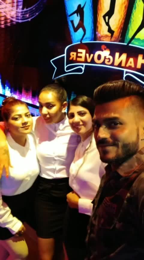 Had a Great Time With Brave Girl's .. 🤗  #2019 #holi #party  #International #tour #Dubai 🇦🇪 #UAE #Tour #InternationalDj #Dj #Producer #musicproducer #dj #djlife #likefourlikes