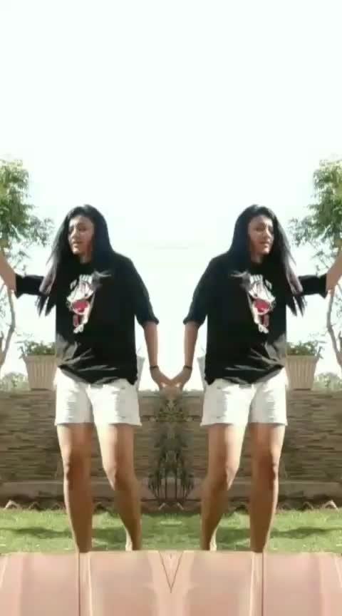 Tera hee hai nashaaa! #roposo-dance #roposo-dancer #roposo-beats #roposo-star #artist #freestyle