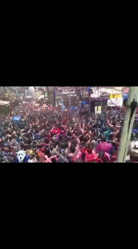 Holi of Prayagraj😍😍😍😍 #holi #indianfestival #rangoli #trendeing #toptrends #wow #loveness #dance #beats #wohoo #love #romance #pyar #yarana #ishq #mohabbat #super #trend-alert #bhaidooj #prayagraj #festival #trendinglive #happyholi