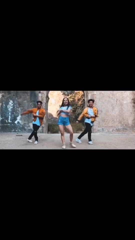 "Haven't seen yet ? 🍑 To watch full video go to ""MINI CREW IN ACTION"" on youtube 🔔 Tag : #coca #cocacola #minicrewinaction #proneetaswargiary #proneeta #twerk #freestyle #dance #dancevideo"