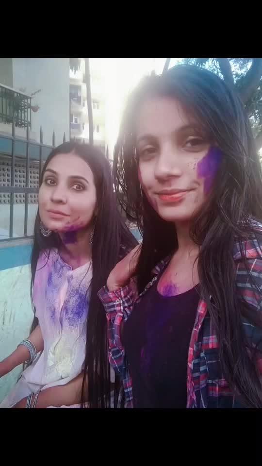 Holi with sissy☺️💃🏻👭 #celebrationsportsclub #lokhandwala #andheri #mumbai #holi2019 #blast #tvcelebs #dance #likea #pro #instaholi #instavideo #celebration #colors #colorfulholi #fun #hadablast #dhamaal #whitekurta #indianwear #holi #holifestival #holiness #holistico #holihai #festival #holifestival #music #dj #holisongs