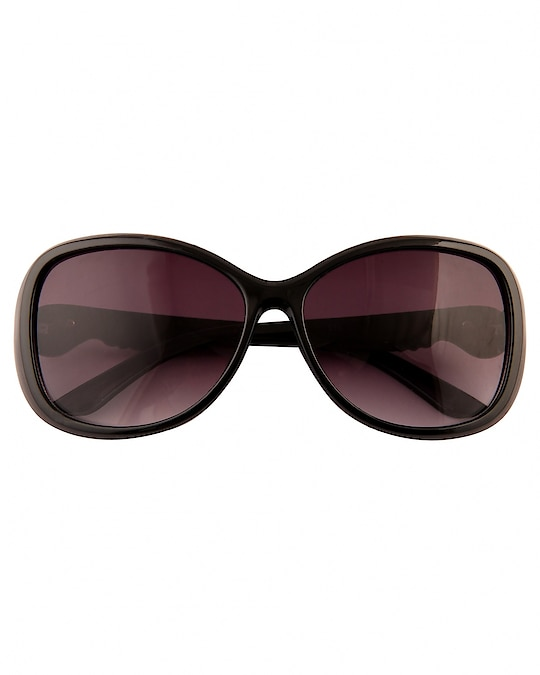 ADINE OVAL BLACK SUNGLASSES FOR WOMEN ₹399 Features Occasion : Designer Wear Material : Polycarbonate Ideal For : Women Facility : Polarized Shape : Oval Usage : Style Pack Of : 1 Frame Color : Brown