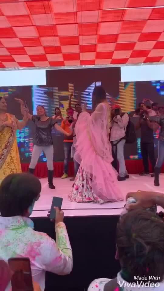 Stage diaries from the event ... 💕💕💕🌸 : Outfit and Jwellery designed by @baaksha - @manju.pradhan @meenapradhan 🌸🌸💕 Makeup & hair @shabana_makeup_artist75 : : : #entry #entryvideo #myentry #holievent #bangbangholi #hyderabad #eventtime #eventday #happyholi #holi2019 #novotelhotel #novotelhydairport #holifestival #happyholi2019 #festivalofcolors #festivaloutfit #desigirl #designeroutfit #desilook #indianbeauty #pollywood #sakhiyaan #sakhiyaangirl #punjabi #punjabiactress #nehamalik #model #actor #blogger #instagram