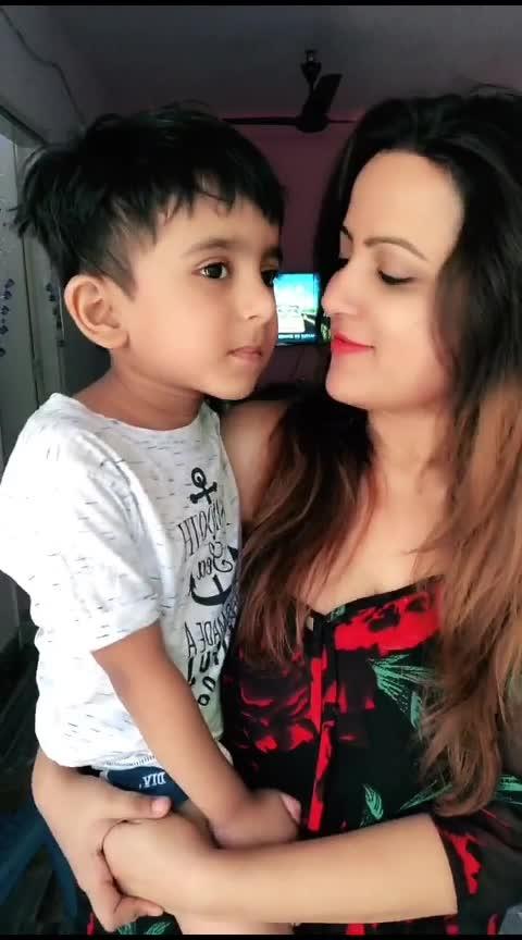 Mom-Son Love♥️♥️♥️♥️♥️ #mommylove #faisusquad #cutness #i-love-u-mom #zara #salmankhan
