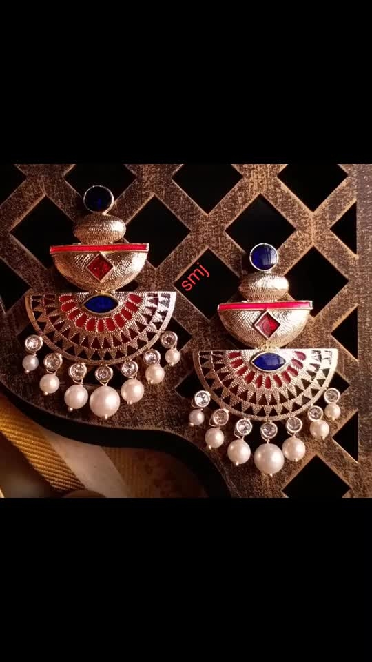 Sur Rs. 350/-+$  indo western earrings, available in 11 colors. ☀ Quality 👌🏻