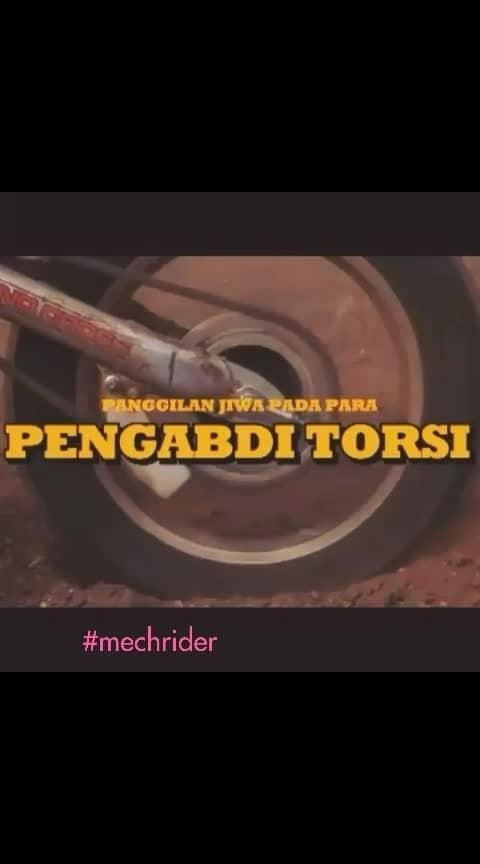 #2stroke #distrack #racing #motocross #bikelife #trails #motorcycles #moto4life #racingvibes #2strokelove #mechanics #mania #maniacs #crazythingswedo #craziness #craziness #motolover #dirtbiking #dirtbikevideos #dirtbikes #dirttrack #fastrack #fullpower24hour #fullpowermode #torquenecklace #torque