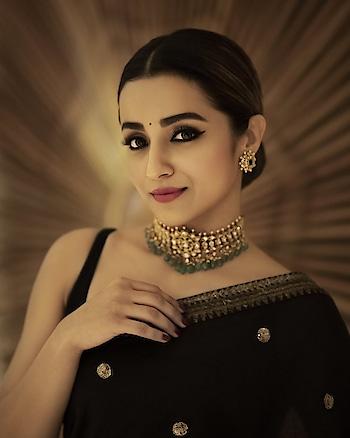 Trisha Krishnan #southindianactress #tamilactress #kollywoodactress #kollywood #indianactress #actressinsaree #saree #blacksaree #indianbeauty #beautifulactress #actresss #style #fashion #indian #indianstyle #indianfashion #southactress