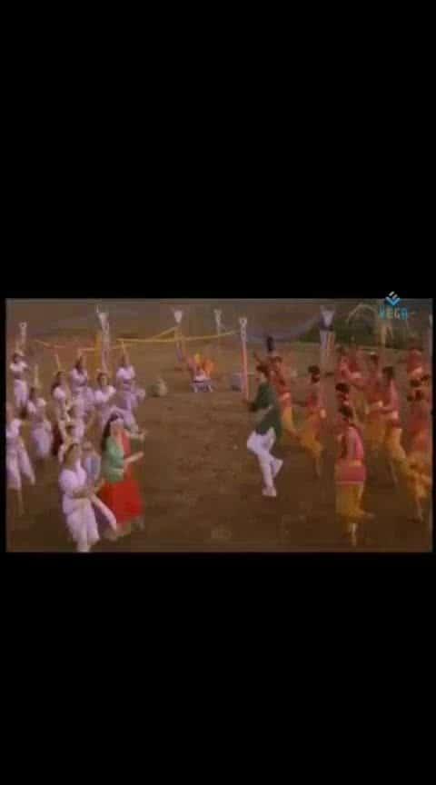 #chiranjeevi #vijayashanthi #gangleader #badrachalam #lovesong #oldsong #hitsong