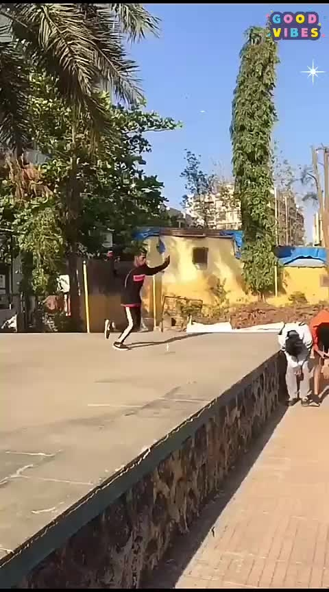 CROSSING 7 PEOPLE IN SIDEFLIP #sportlover #gymnast  #sideflip  #flipping  #foryou  #roposo-trending #roposostar #feauturethisvideo