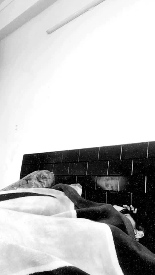 I sleep all day on Sundays! 😴 #hahatv #roposocomedy #funnyvideos #roposo-funnyvideo #roposostars #featurethis #funny #haha #Sunday