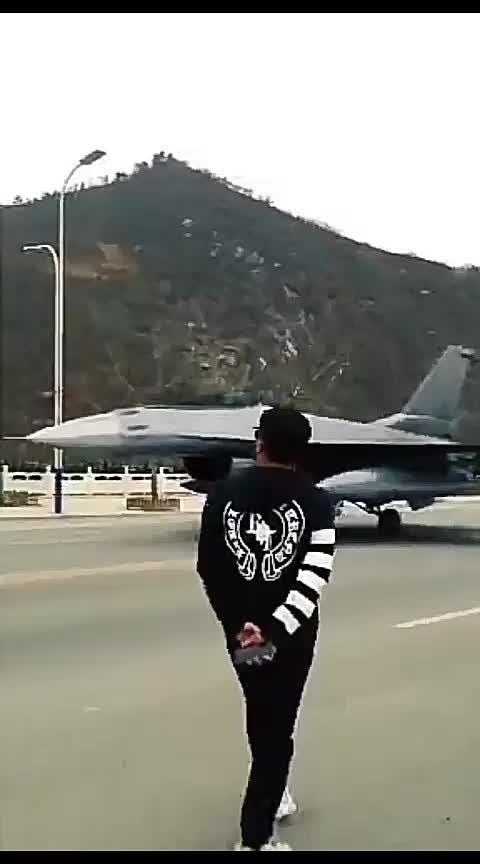 #roposo-haha @ये कौन सा हवाई जहाज हैं????