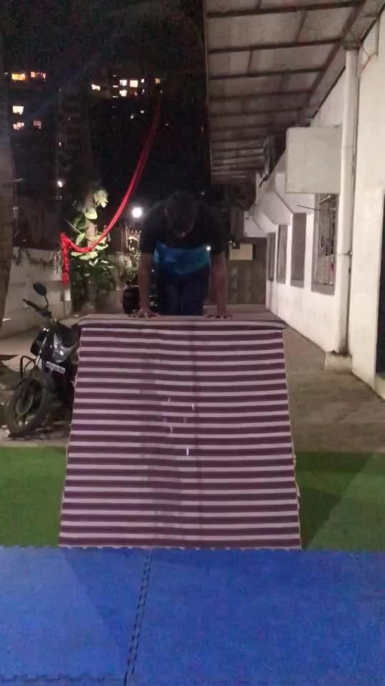 #handstand #training #sunday #improvement 🔥🔥 #roposo #roposoness @roposocontests