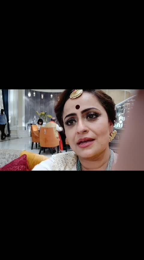Ha ha ha...#karanarjun  joke #funonsets  #shootdiaries  #shootings  #divyadrishti  With adhvik_official nyra_banerjee justkarankhanna  #starplus  7pm sat-sunday. Watch all episodes on #hotstar