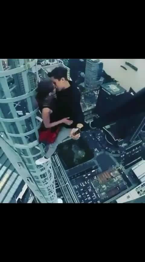 किस विडियो हवा की ऊंचाई पर #kissvideo #kissing  #lips-kiss  #kissvideo  #kissscene  #hot-hot-hot #hotdance #veryhot #danglerearrings