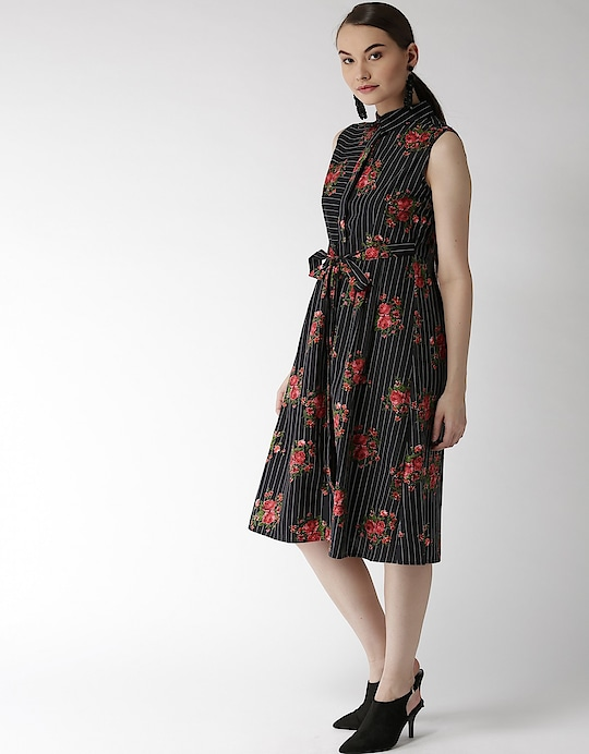 Madame - Black Dress  Link: https://bit.ly/2OsTRLK  #madamefashion #blackdress #blackbeauty #fashiondiaries #roposo #fashion #roposodiaries