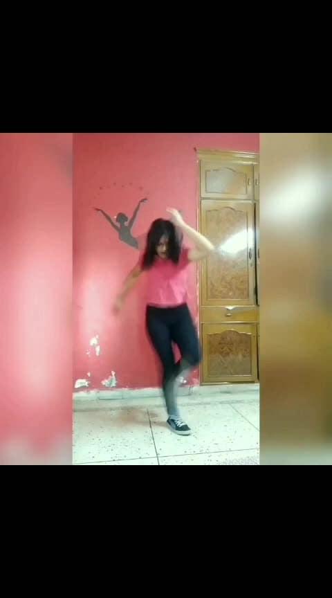 kaha ho Bhai? 😂😂😂  #shuffle #shuffledance #shufflemove #shuffled #dance #footworks #faded #alanwalker #whereareyounow