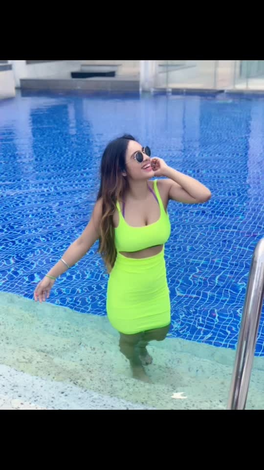 Candids yet posing 😂😂😂 : : #candid #candidclick #candidlove #poser #loveposing #poserqueen #camera #hellosummer2019 #summervibes #goodvibes #summertime #chillingmode  #neon #neongreen #boldandthebeautiful #poolside #poolsidechillin #bollywoodhot #bollywood #nehamalik