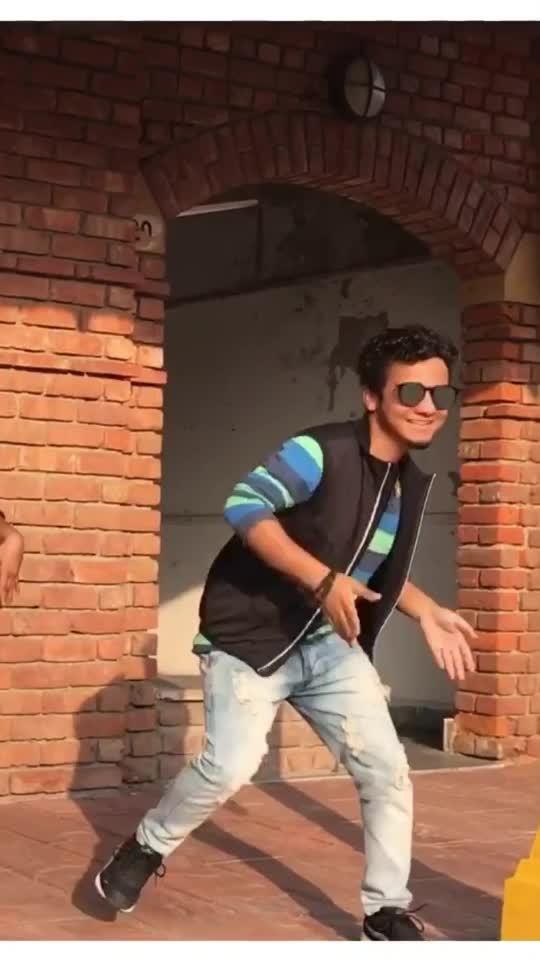 Mere Wala Sardar #dance #merewalasardar #punjabi #love #roposo #roposostar #risingstars #risingstar #dancer #roposo-beats #punjabi-singer