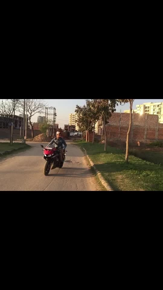 Famous #sidhumoosewala #r15v3 #bikergang #bikelife #bikerider