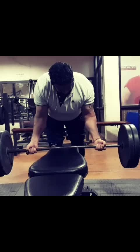 💪 #bicepsworkout #barbellcurl #stayfitandhealthy #gymforlife #India#punjab#punjabi#jalandhar#sharma#gym life 💪🏻