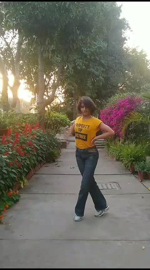 I've been goin' like energizer. 🔥  #art #artist #dancer #waacker #waacking #waack #freestyle #lifestyle #logic #44more