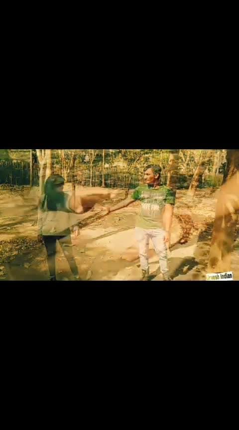 bus apka support chaiye guy video dekho orr apne opinion do k hm agge kese video banaye tq so much 😍❤️#roposo-dance @dane02 #keepshopping