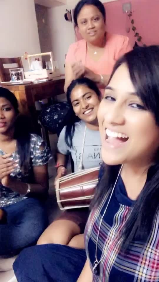 What a fun Jamming with Family ❤️  #PahadiSwag   #JoshiSisters   #sing #solo #dholki #raw #beat #beats #rythm #tinycover #roposoness #featurethis :)