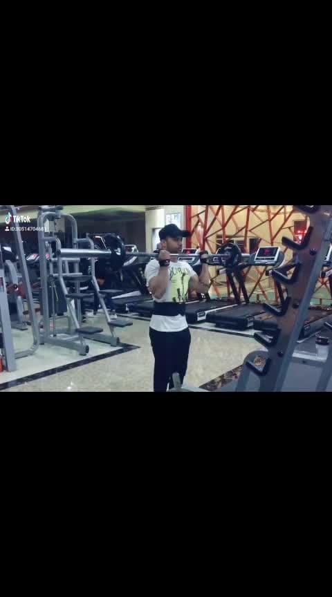 teri pyari pyari do akhiya.... #fitnesslovers #bicepsworkout #pumpingup