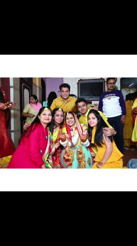 Finally aap bhi chle gye @bhawnaarora117 dee varna still irritate karte rhte aap 😂😂😂.I can't forget apki baate late night taki ko kaam dena and haar new song par steps discuss karna.. Congratulations for new beginning dee with jiju. PS @jayasharma93.js is wedding koi nhi mila but next wali mein @anmol_pricious aur main dhund dege 😆😆😆😆 . . . . . #bhawnadeekishaadi #weddingdiaries #mensfashion #menofindia #style #stylestatement #hair #stylediaries #styleoftheday #styleinspiration #fashion #fashionphotography #fashionista #fashiondiaries #fashionaddict #fashionstyle #fashionpost #vogue #fashionstylist #fashion #fashionblog #fashionblogger #styleblogger #stylist  #fashiondiaries #delhistylist #follows #followtrain #followforfollow