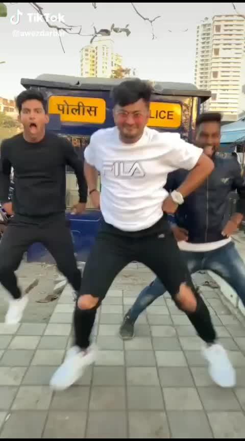 😂😂  #fun #roposo-fun #haha-tv #roposo-dance #funnydance #danceing