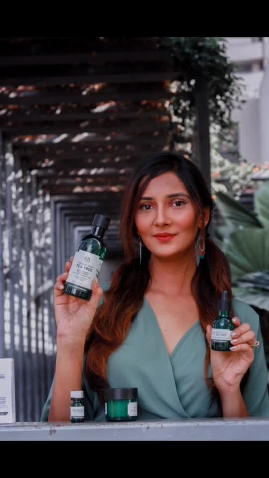 Current skin care routine- Tree Oil is considered one of the most popular oils in the world! Love @thebodyshopindia tea tree range due to it's many skin benefits🌲🍀entirely vegan & organic🌿 ⠀⠀⠀⠀⠀⠀⠀⠀⠀⠀⠀⠀⠀⠀⠀⠀⠀⠀⠀⠀⠀⠀⠀⠀⠀⠀⠀⠀⠀ ⠀⠀⠀⠀⠀⠀⠀⠀⠀⠀⠀⠀⠀⠀⠀⠀⠀⠀⠀⠀⠀⠀⠀⠀⠀⠀⠀⠀⠀⠀⠀⠀⠀ ⠀⠀⠀⠀⠀ ⠀⠀⠀⠀⠀⠀⠀⠀⠀⠀⠀⠀⠀⠀⠀⠀⠀⠀⠀⠀⠀⠀⠀⠀⠀⠀⠀⠀⠀⠀⠀⠀⠀ ⠀⠀⠀⠀⠀⠀⠀⠀⠀⠀⠀⠀⠀⠀⠀⠀⠀⠀⠀⠀⠀⠀⠀⠀⠀⠀⠀⠀⠀⠀⠀⠀⠀⠀ @krishnakalalphotography  #teatree #teatreeoil #thebodyshopindia #thebodyshop #organicskincare #naturalskincare #teatreeproducts #skinconcerns #skincarebrand #mahhimakottary #creams #oils #facewash #nightmask #skincarelovers #