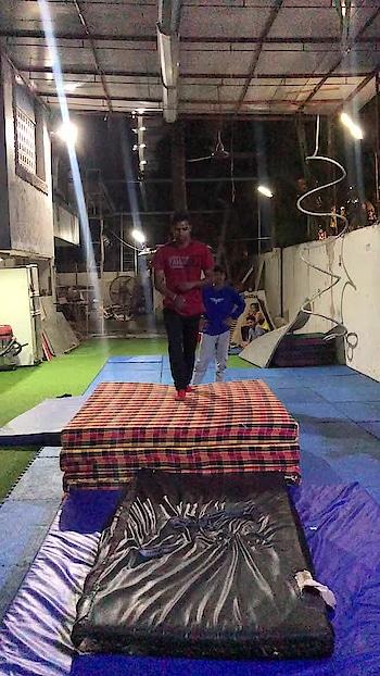 Basic training #flip #parkour #freerunning #trick #gymnastic #tumbling 🔥🔥✌️