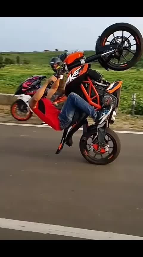@chandansingh32084a83 #hitlikeifyoulike #capturingmoment #awesome-stunt #roposogabru
