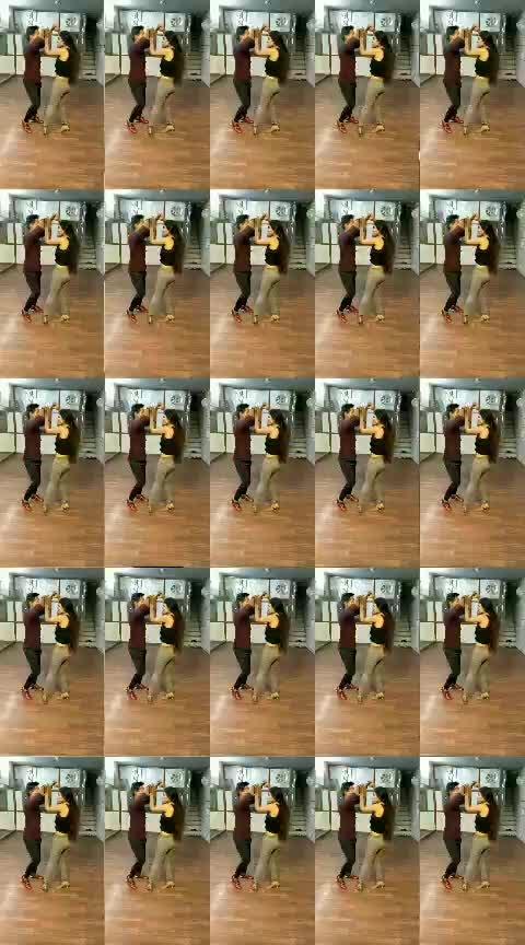 Salsa with @kamlesh1296 #aakritigautam #bellydancer #latindance #salsa #danceforlife