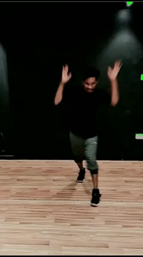 #desidesinabolyakarchorire  #haryanvisong #bollyhop #hiphopdance #dancelife #dancefitlife